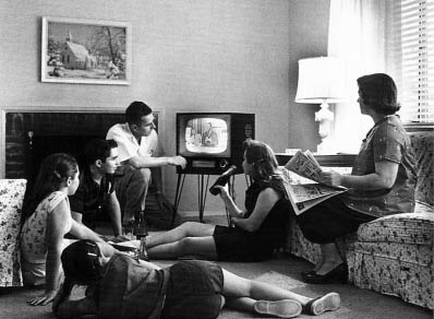 Family life in the 1950s England Different generations sit ...  1950s Family Life